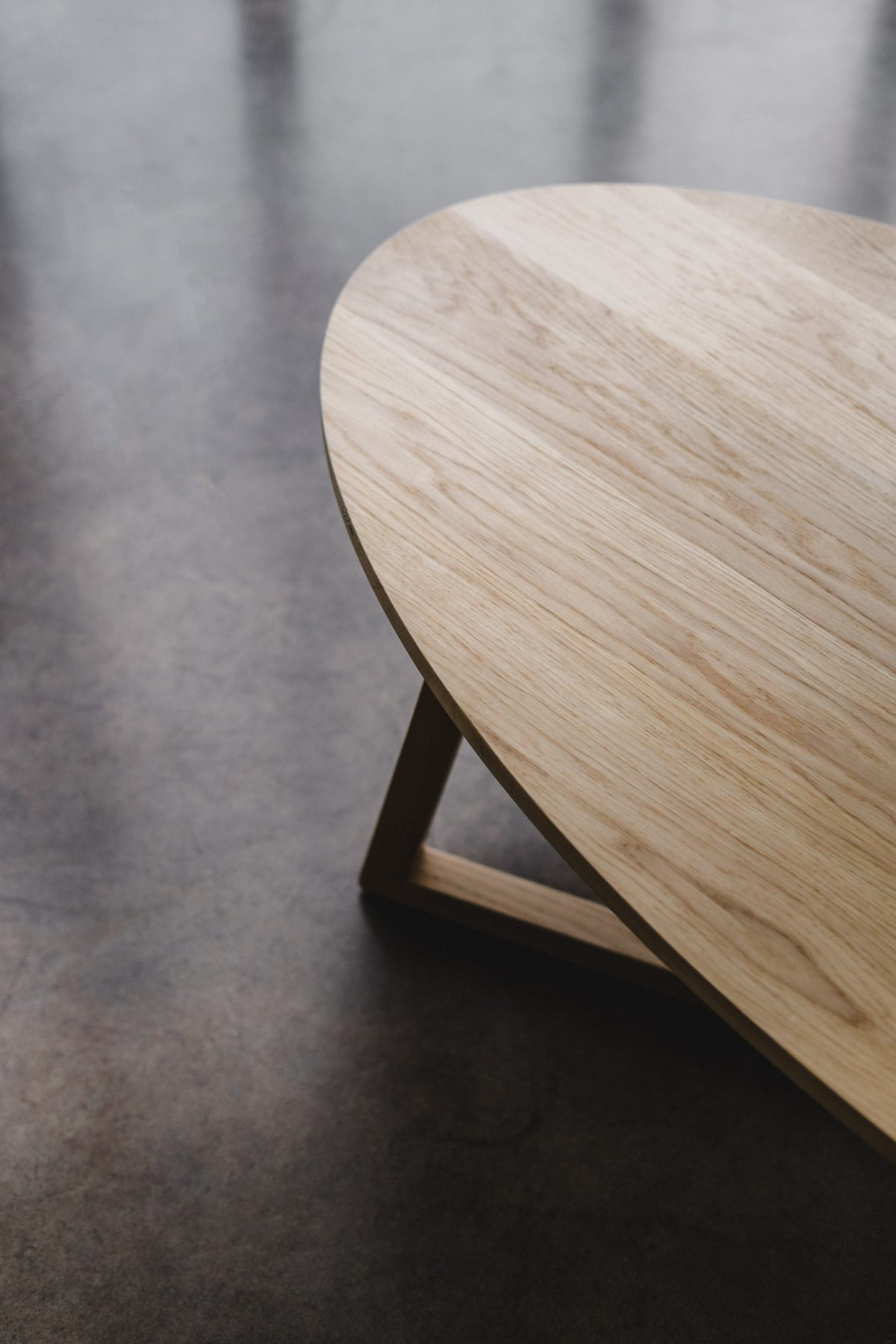 OVAL COFFE TABLE